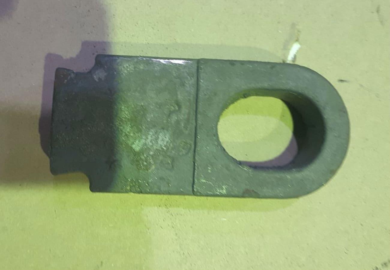 Лиття деталей шарніру з високовуглецевої сталі відлитих методом ЛГМ